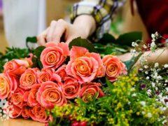 Пусть красота твоя цветёт. Смс-поздравления с Днём рождения женщине