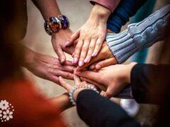 Умей быть другом — найдешь друга. Цитаты про друзей